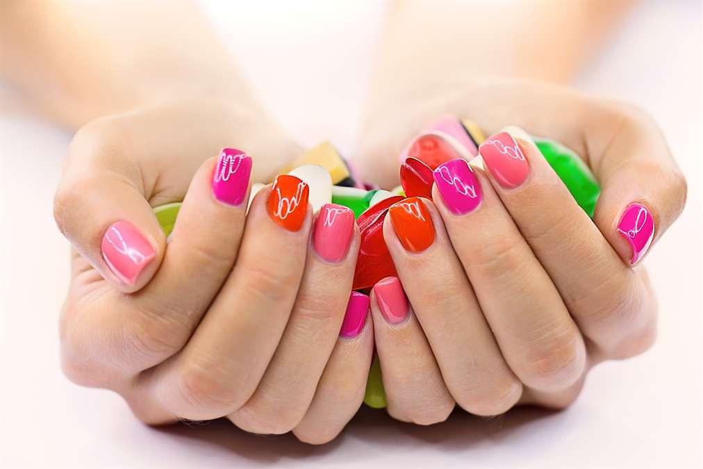 Красивый дизайн ногтей на руках