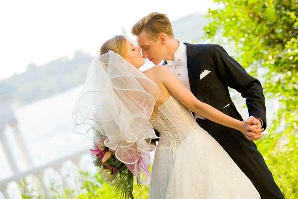 сонник выйти замуж во сне за знакомого