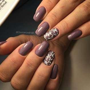 фото однотонные ногти с рисунком