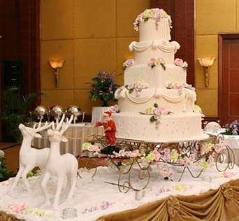 Зимний торт на свадьбу, идеи и варианты для вдохновения