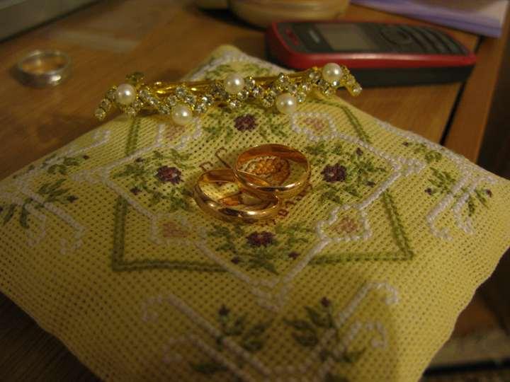 Кольцо с вышивкой крестом 41