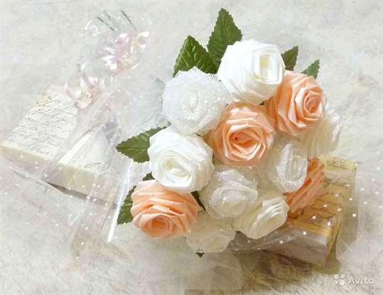 01-655 Свадебный букет своими руками. Как сделать букет невесты из атласных лент? Свадебный букет из роз, пионов, тюльпанов
