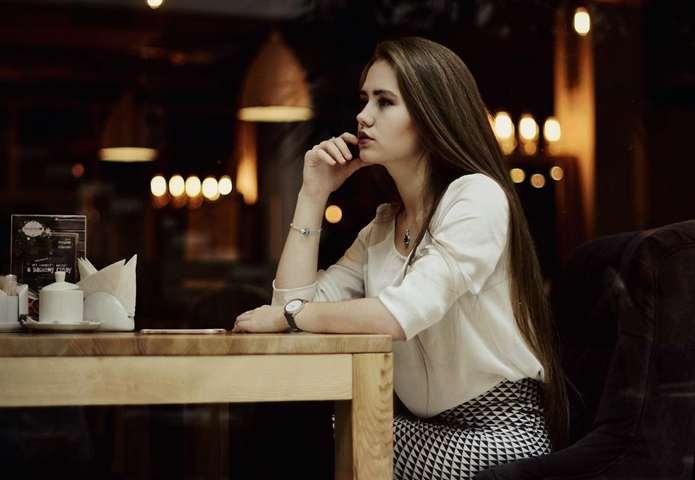 Что одеть в кафе: на день рождения, с подругами, зимой, осенью, фото