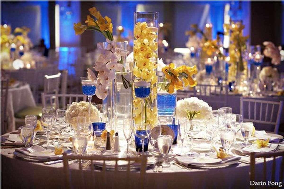 Свадьба в сине золотом цвете наряды аксессуары детали декора