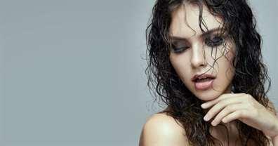 Как сделать эффект мокрых волос самостоятельно?